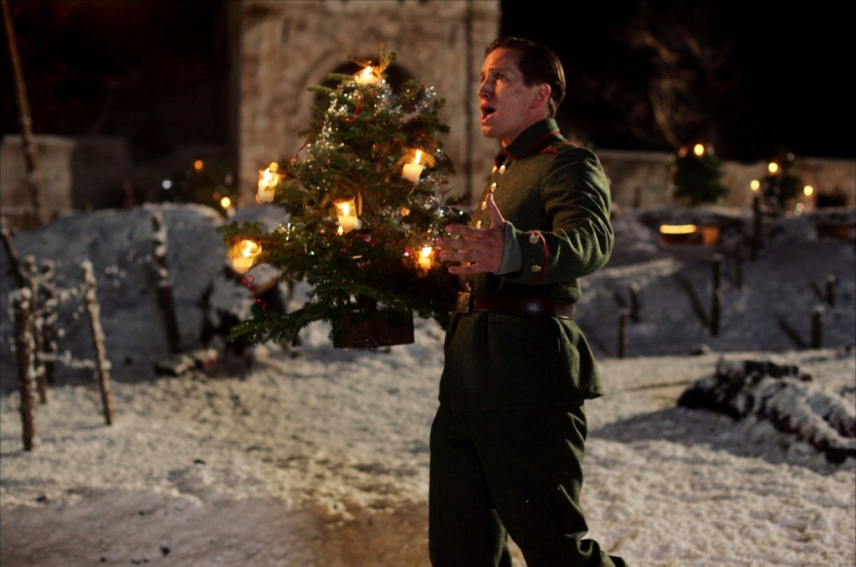 "Review: ""Joyeux Noël"" 