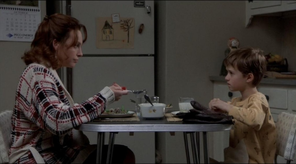 "review ""the sixth sense"" the viewer s commentary the performances"