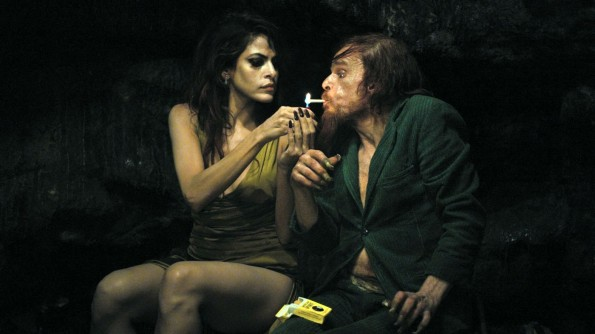 Holy Motors - Eva Mendes and Denis Lavant