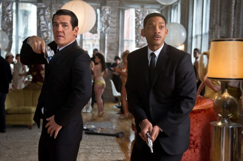 Men in Black 3 - Josh Brolin and Will Smith