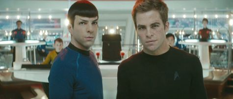 Star Trek - Zachary Quinto and Chris Pine on the new bridge