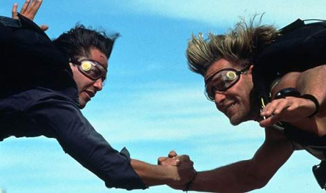 Point Break - Keanu Reeves and Patrick Swayze skydive