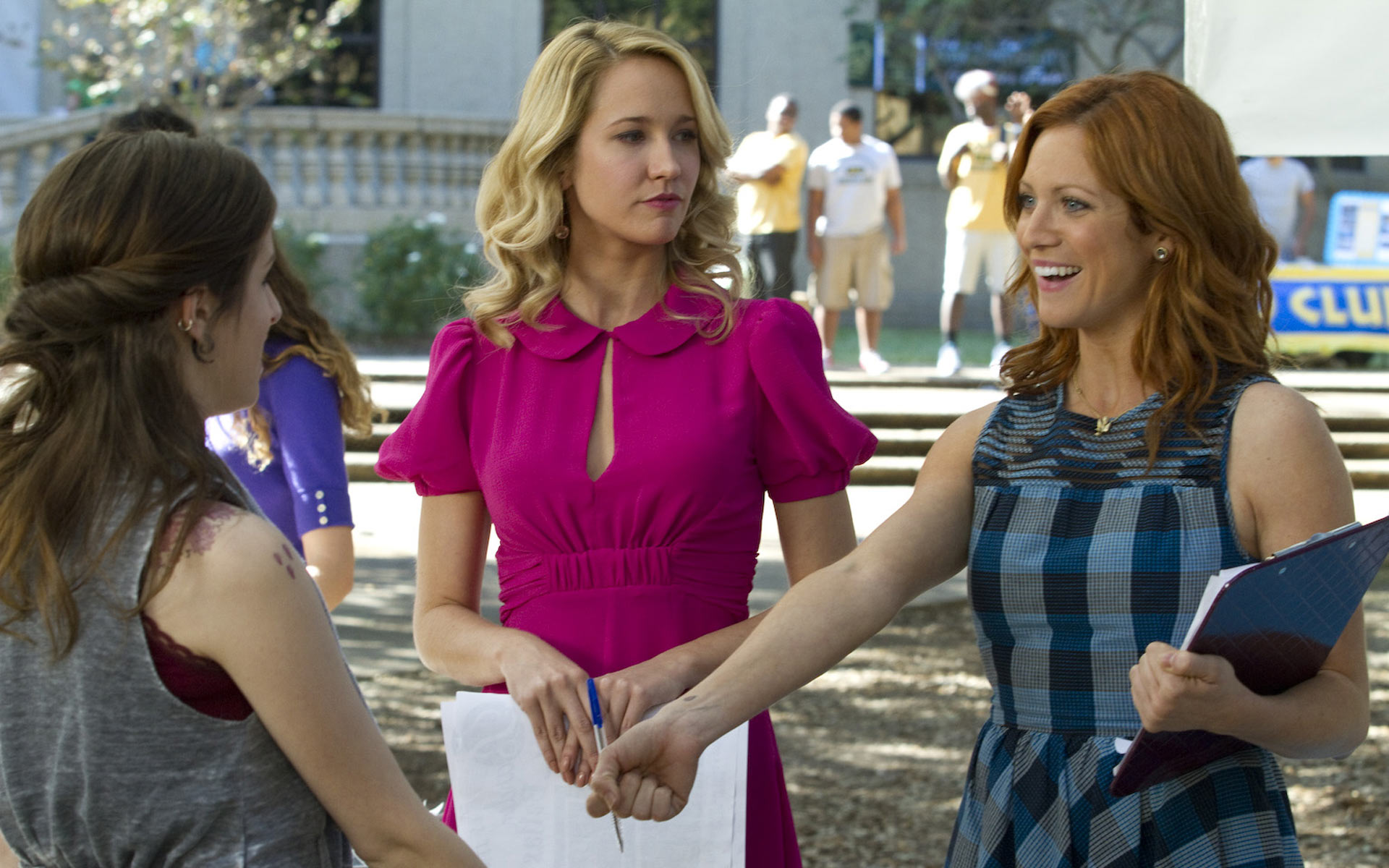 Brittany Snow And Anna Camp 301 Moved Permanently