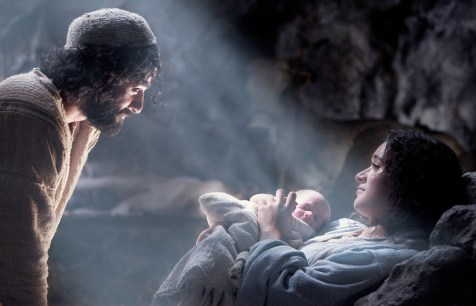 The Nativity Story - Oscar Isaac, Keisha Castle-Hughes