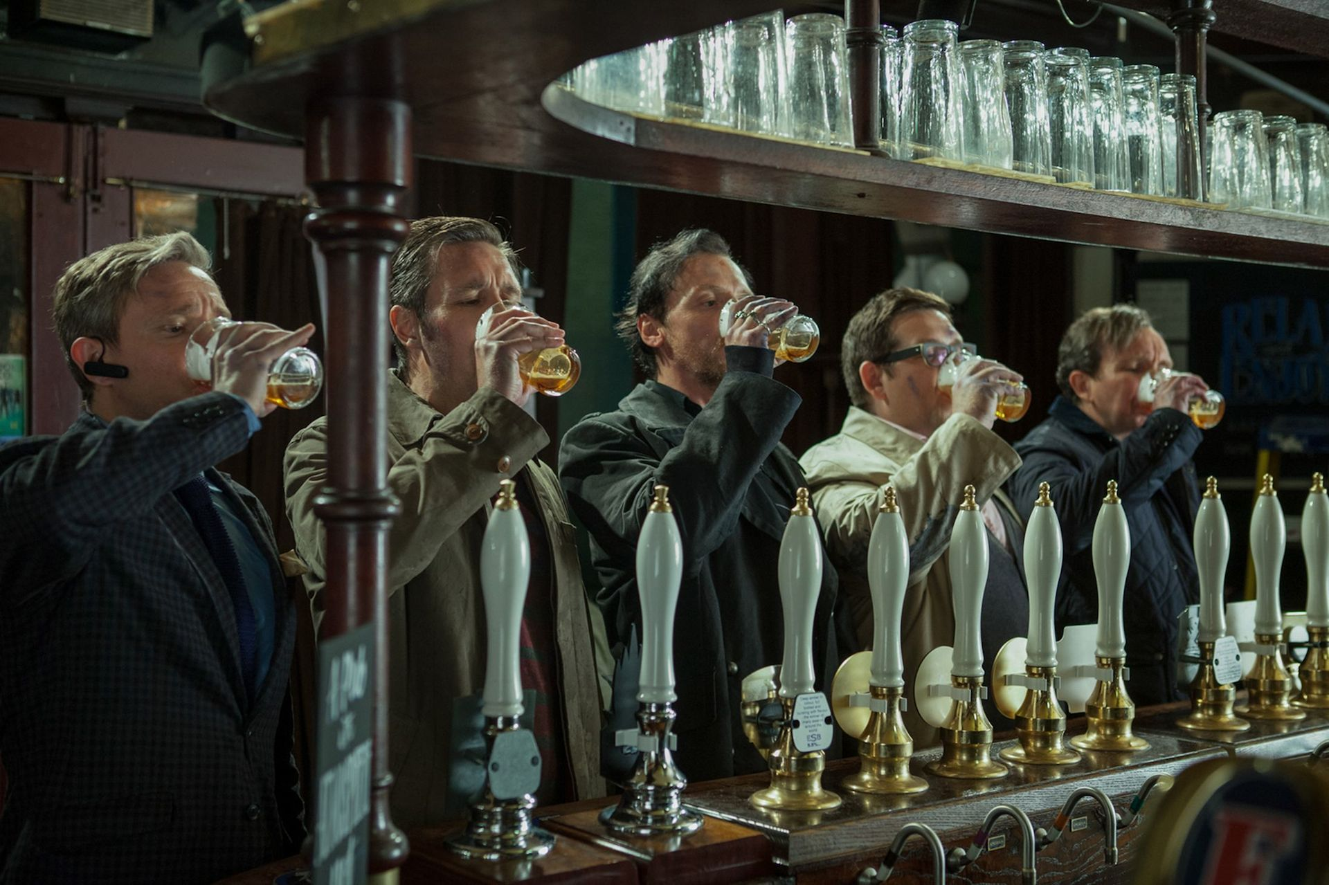 The World's End - Martin Freeman, Paddy Considine, Simon Pegg, Nick Frost, Eddie Marsan - beer