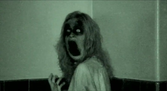Grave Encounters - Scary girl in the corner