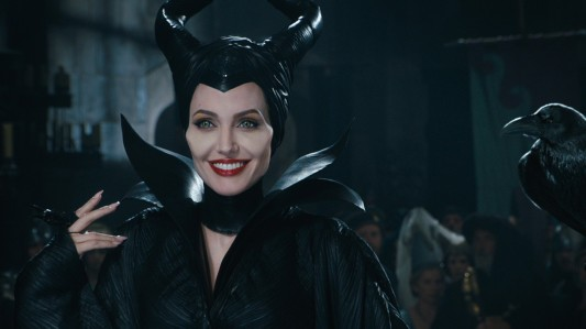 Maleficent - Angelina Jolie & crow