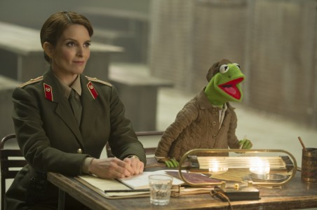 Muppets Most Wanted - Tina Fey, Kermit the Frog