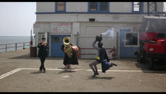 Batman The Movie - Getting rid of the bomb