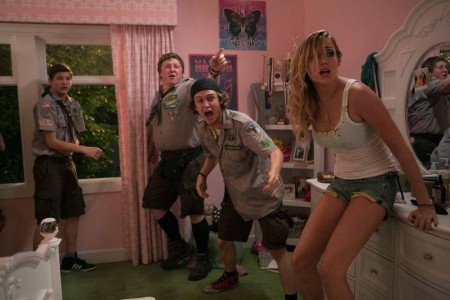Scouts Guide to the Zombie Apocalypse - Tye Sheridan, Joey Morgan, Logan Miller, Sarah Dumont