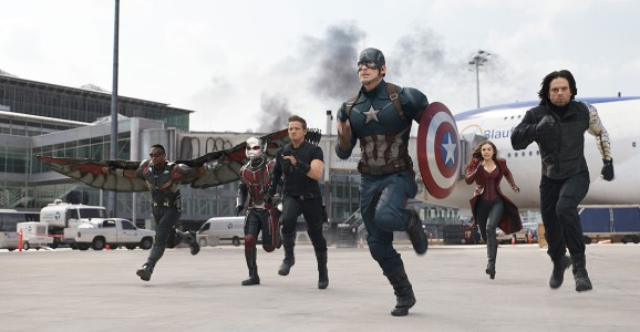 Captain America: Civil War - Anthony Mackie, Paul Rudd, Jeremy Renner, Chris Evans, Elizabeth Olsen, Sebastian Stan