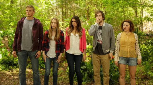 The Final Girls - Alexander Ludwig, Taissa Farmiga, Nina Dobrev, Thomas Middleditch, Alia Shawkat