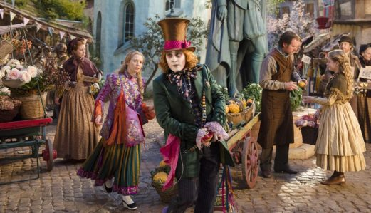 Alice Through the Looking Glass - Mia Wasikowska, Johnny Depp