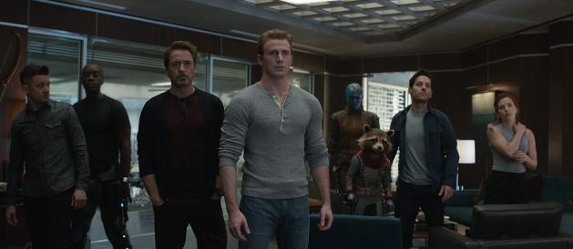 Avengers Endgame - Jeremy Renner, Don Cheadle, Robert Downey Jr., Chris Evans, Karen Gillan, Bradley Cooper, Paul Rudd, Scarlett Johansson